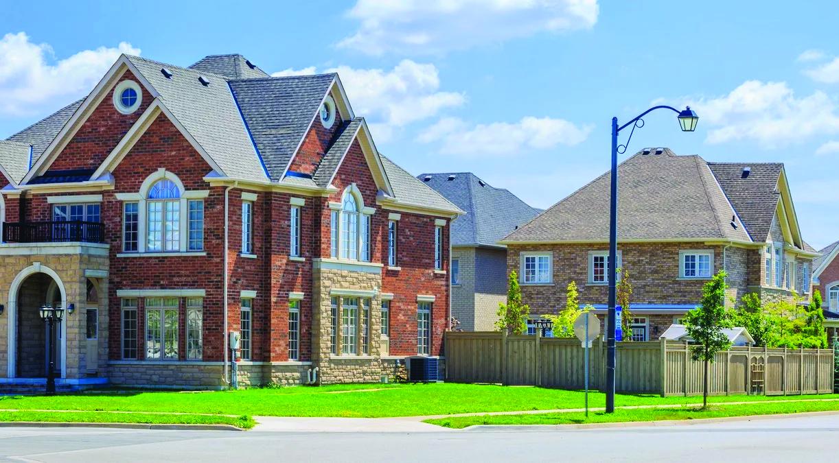 تصویر از فروش در حومه تورنتو در ماه آگوست ۱۳ ٪ افزایش یافته است