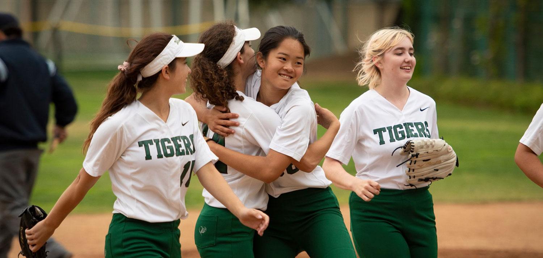 تصویر از سبک زندگی : یک سوم دختران کانادایی در اواخر نوجوانی از ورزش کناره گیری می کنند