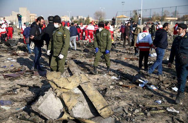 تصویر از وزیر راه و شهرسازی ایران : ایران جعبه های سیاه هواپیمای اوکراینی را به اوکراین می فرستد
