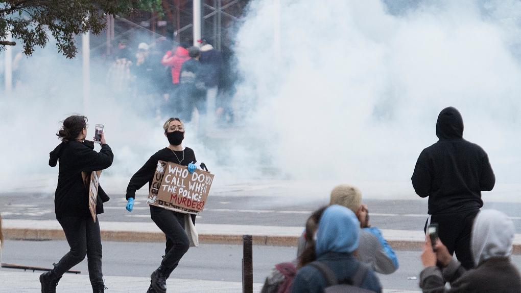 تصویر از مونترال : ابراز نگرانی کارشناسان از افزایش کووید19 در اعتراضات ضدنژادپرستی