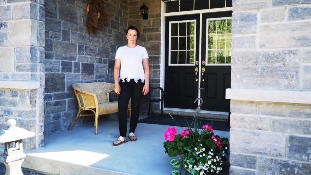 تصویر از یک مشاور املاک به دلیل بحران کرونا مجبور به فروش خانه اش شد/  تی دی 30.000 دلار جریمه گرفت