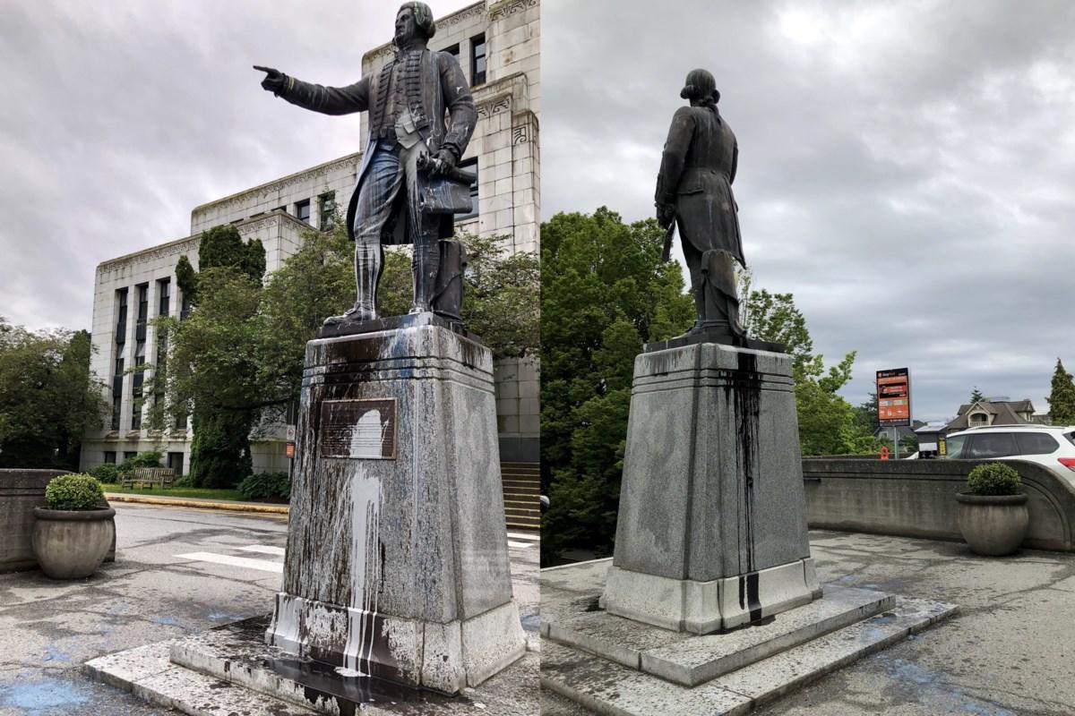 تصویر از کبک_مونترال : طومار نویسی مونترالی ها برای پایین کشیدن مجسمه A. Macdonald اولین نخست وزیر کانادا