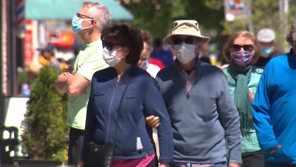 تصویر از شهردار کلگری هشدار داد: اگر مردم دستورالعمل ها را رعایت نکنند ماسک زدن اجباری می شود