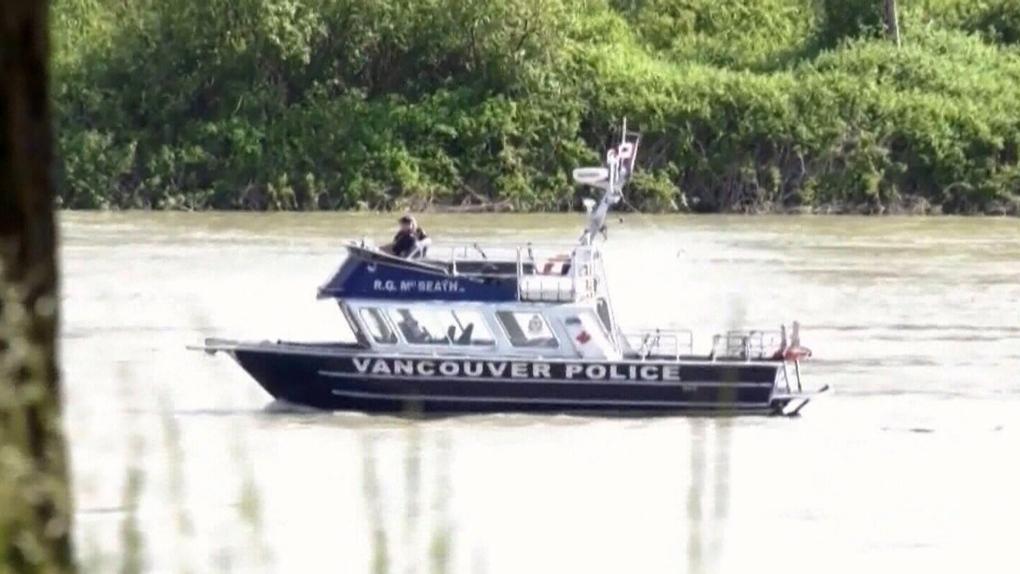 تصویر از سقوط یک فروند هواپیما در رودخانه فریزر _ بریتیش کلمبیا / هواپیما هنوز مفقود است