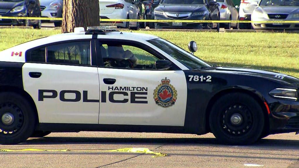 تصویر از دستگیری و بازداشت یک نوجوان 17 ساله درپی قتل نوجوان 19 ساله در همیلتون