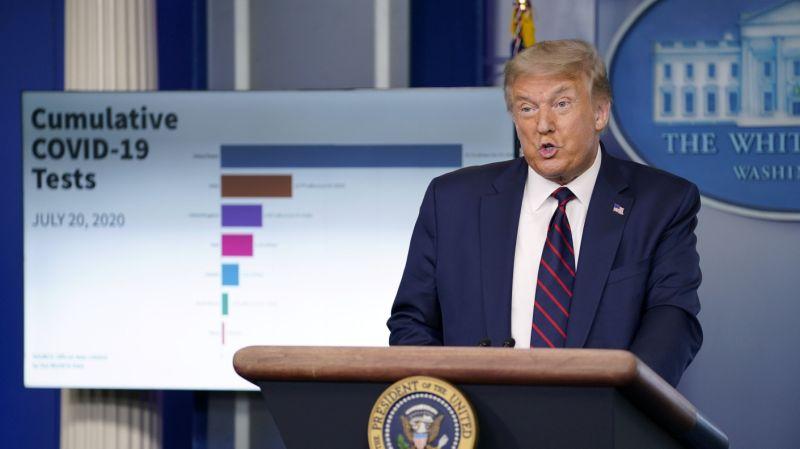 تصویر از دونالد ترامپ عقب نشینی کرد : اوضاع بدتر خواهد شد ، ماسک بزنید
