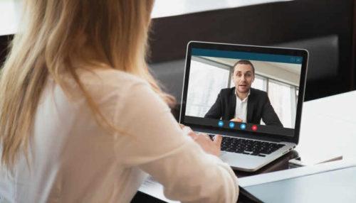 آنلاین دیتینگ : چگونه در دیدارهای مجازی طرف مقابل را جذب خودمان کنیم؟