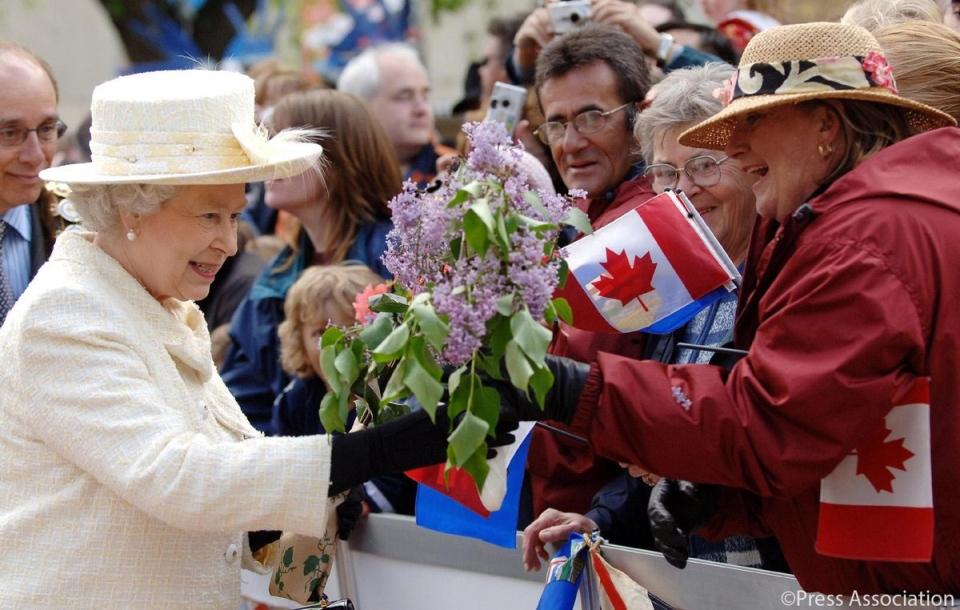 تصویر از در بررسی عواملی که باعث غرور کانادایی هاست رتبه پادشاه انگلیس در ردیف آخر قرار دارد