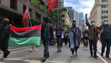 تصویر از روز آزادی : صدها نفر در شهر تورنتو به مناسبت بزرگداشت روز رهایی راهپیمایی کردند
