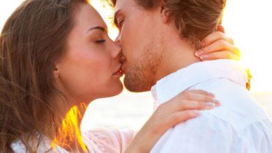 تصویر از بوسه : آیا می دانید فوائدی جسمی و روحی بوسیدن چیست؟