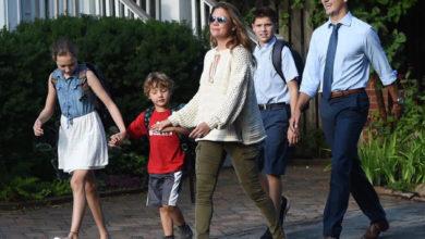 تصویر از جاستین ترودو و همسرش سوفی گرگوار ، فرزندان شان را به مدرسه می فرستند