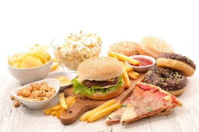 غذاهای فراوری شده معمولا مملو از شکر و مواد نگهدارنده و فاقد فیبر هستند