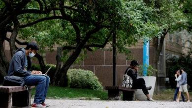 تصویر از دانشجویان کانادا دلواپس بازپرداخت وام به دولت فدرال هستند و انتظار وقت بیشتری دارند