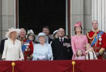تصویر از ملکه انگلیس برای مدیریت بودجه بدلیل کووید19 ، هزینه هایش را کاهش داد