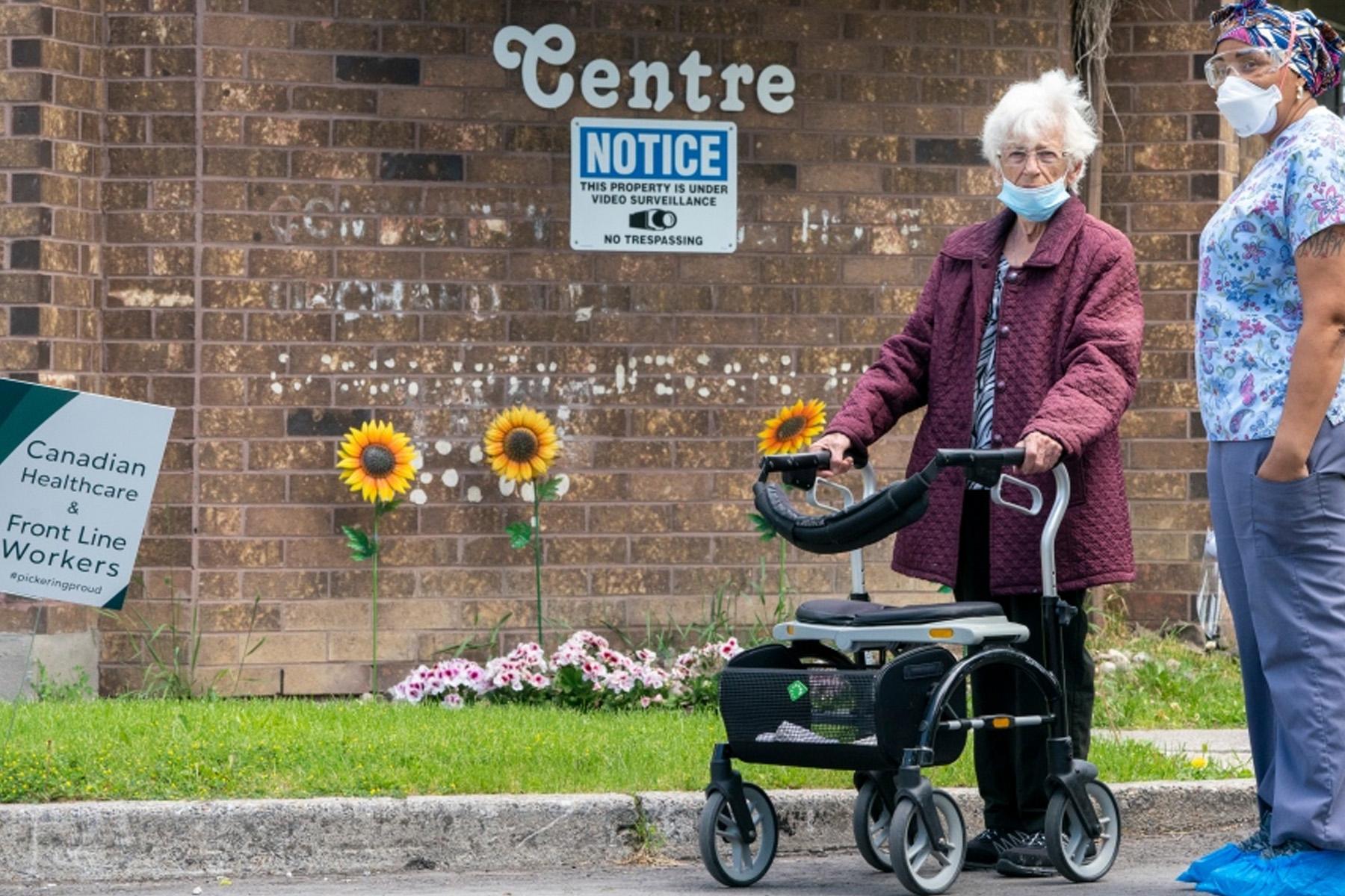 گردش برای ساکنان خانه های سالمندان تورنتو ، پیل و اتاوا ممنوع شد