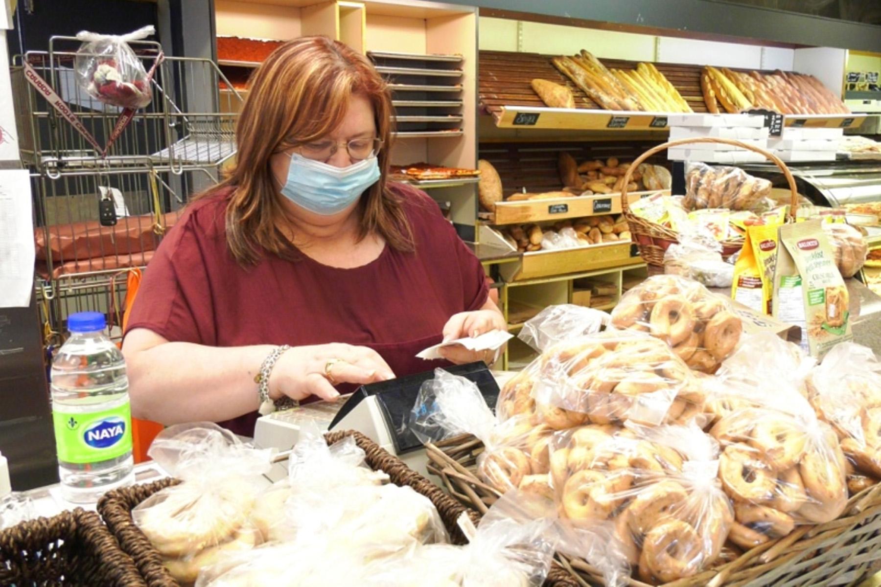 صاحب یکی از نانوایی های مونترال به ماموران پلیس زبان کبک : کسب و کارهایی که در روزهای پاندمی دچار مشکل شده اند را جریمه نکنید