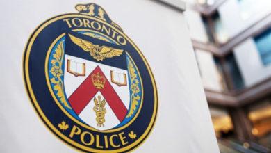 تصویر از راننده اوبر مسئولانه قدم برداشت : پلیس از راننده اوبری که کودک نوپای سرگردان را در بخش اسکاربرو پیدا کرد ، قدردانی میکند