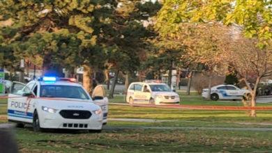 تصویر از چاقو کشی در یک دبیرستان در مونترال موجب تخلیه آن و روانه مرد جوانی به بیمارستان شد