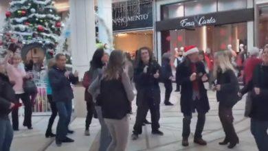 تصویر از پلیس کبک گردهمایی رقص ضد ماسک در مرکز خرید را متفرق کرد