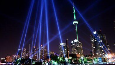 تصویر از شهر تورنتو برای شب سال نو شاهد نورپردازی سی ان تاور ( برج CN ) خواهد بود