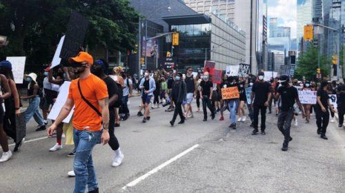 تظاهرات در اعتراض به نژادپرستی ضد سیاه پوستان در تورنتو