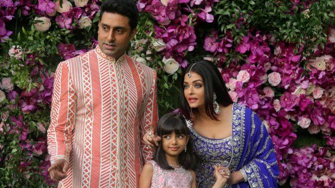 تصویر از آشواریا رای باچان بازیگر هندی درپی تشدید بیماری کووید۱۹ به بیمارستان منتقل شد