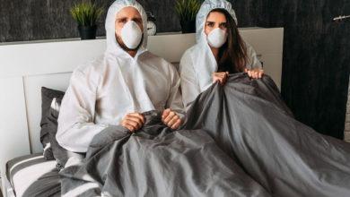 تصویر از توصیه کارشناسان : لطفا هنگام رابطه جنسی ماسک بزنید!