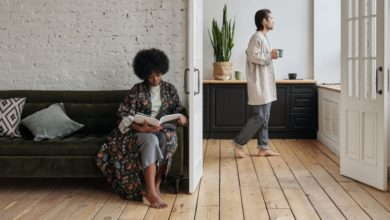 تصویر از پزشکان متخصص : کار کردن از خانه باعث بیشتر شدن درد پا و آسیب دیدگی میشود