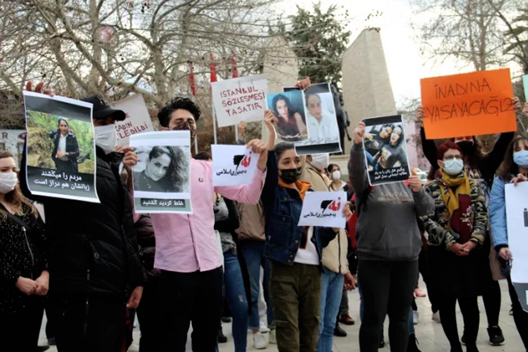 ترکیه پناهجویان ایرانی را بدلیل شرکت در تجمع اعتراضی اخراج و به ایران دیپورت می کند
