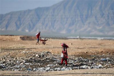 افغان ها درگیر فقر هستند