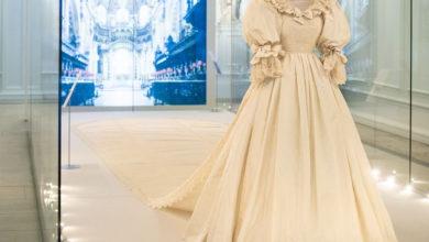 تصویر از لباس عروسی پرنسس دایانا و پرنس چارلز در معرض دید عموم قرار گرفت