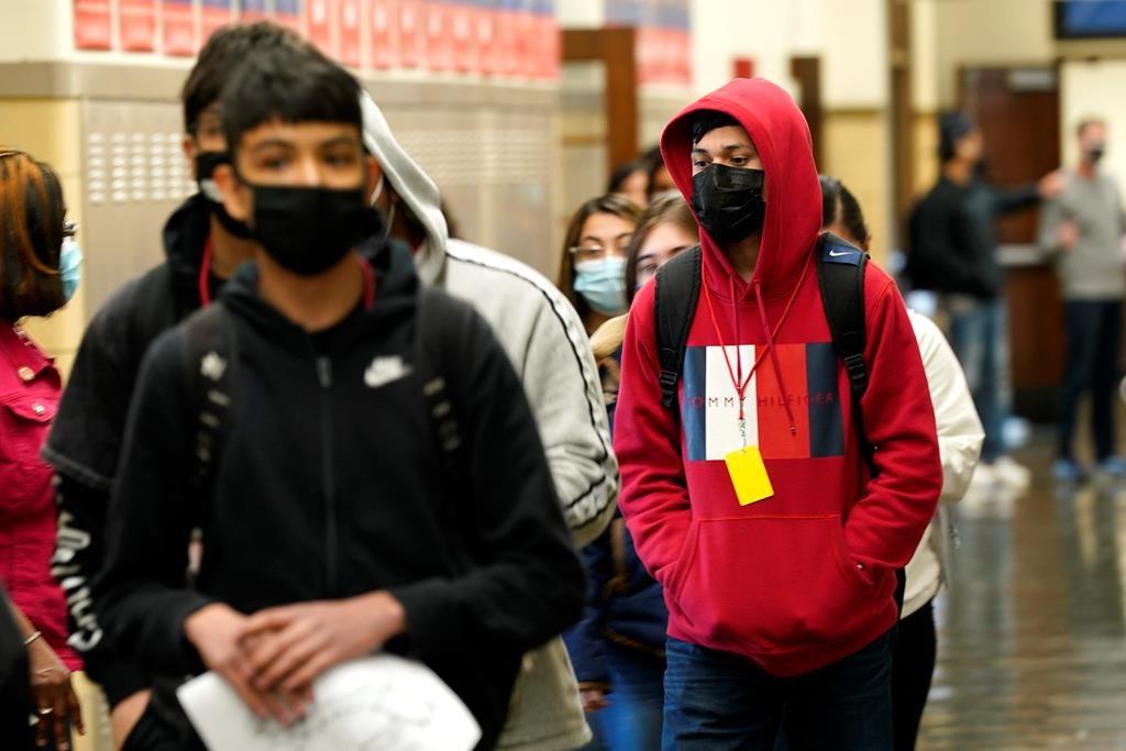 پزشک ارشد انتاریو : مدارس استان به احتمال زیاد در ماه سپتامبر با رعایت پوشش ماسک باز میشوند