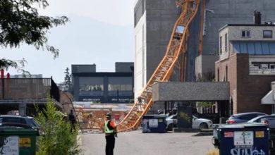تصویر از سقوط جرثقیل در بریتیش کلمبیا : ۴ نفر کشته تأیید شد و احتمال کشته شدن نفر پنجم نیز در محل ساختمان سازی کلونا میرود