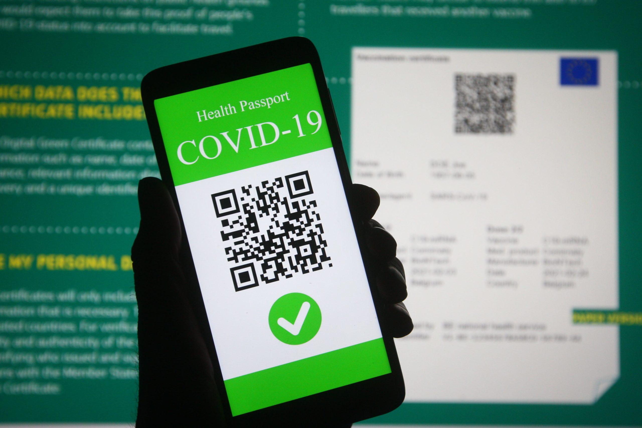 وزیر بهداشت کبک : ممانعت بزرگسالان جوان از دریافت گذرنامه واکسن کووید-19 اهمیت دارد
