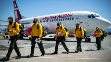 تصویر از آتشنشانان مکزیکی برای کمک به مهار آتش سوزی های فعال وارد بریتیش کلمبیا شدند