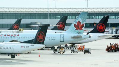 هشدار فرودگاه پیرسون تورنتو به مسافران در مورد تأخیرهای طولانی آخر هفته