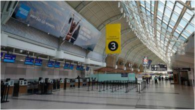 تصویر از احتمال تأخیر در پروازهای فرودگاه پیرسون تورنتو به دلیل تظاهرات ضد ماسک