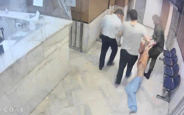 رئیس سازمان زندانها بخاطر رفتارهای غیرانسانی و غیر قابل قبول در زندان اوین عذرخواهی کرد