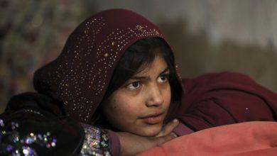 تصویر از روزنامه شرق : جمعآوری کمپ مرزی هلالاحمر در ایران برای پناهندگان جنگی افغان و بازگرداندنشان به افغانستان