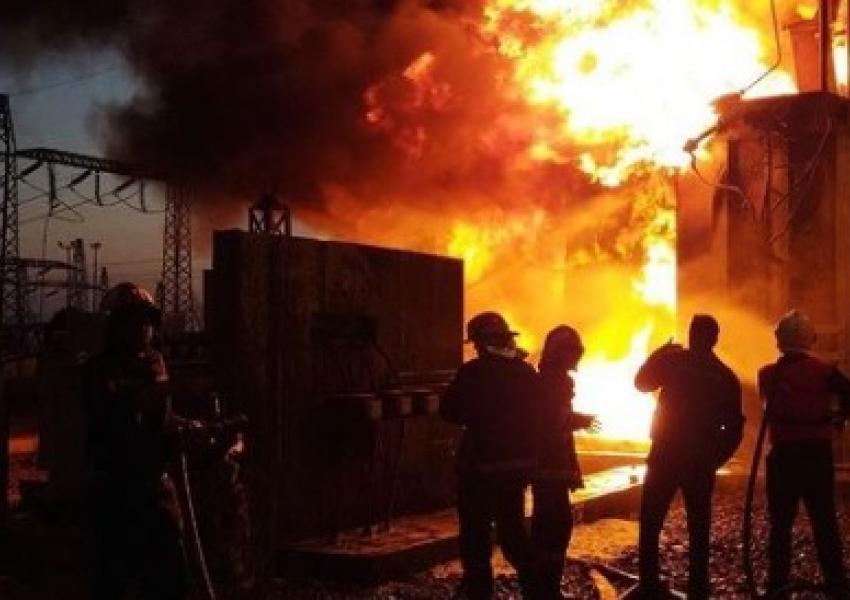 ترانس برق نیروگاه سیکل ترکیبی نیشابور آتش گرفت : علت قطعی مداوم برق در ایران فرسودگی و عدم تعمیرات عنوان شده است