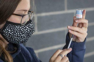 اجباری شدن واکسیناسیون کووید-19 در بخش خدمات دولت فدرال کانادا، مسافران هواپیما و راهآهن