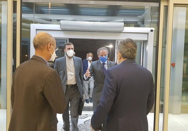 مدیرکل آژانس بین المللی انرژی اتمی برای گفتگو با مقامات ایرانی وارد تهران شد