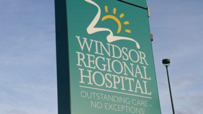 تعلیق بدون حقوق و دستمزد بیش از 100 نفر از کارکنان بیمارستان ویندزور انتاریو به دلیل عدم واکسیناسیون