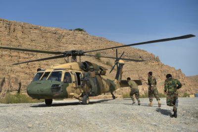 انتقال شماری تانک و خودروی زرهی آمریکایی از افغانستان به ایران