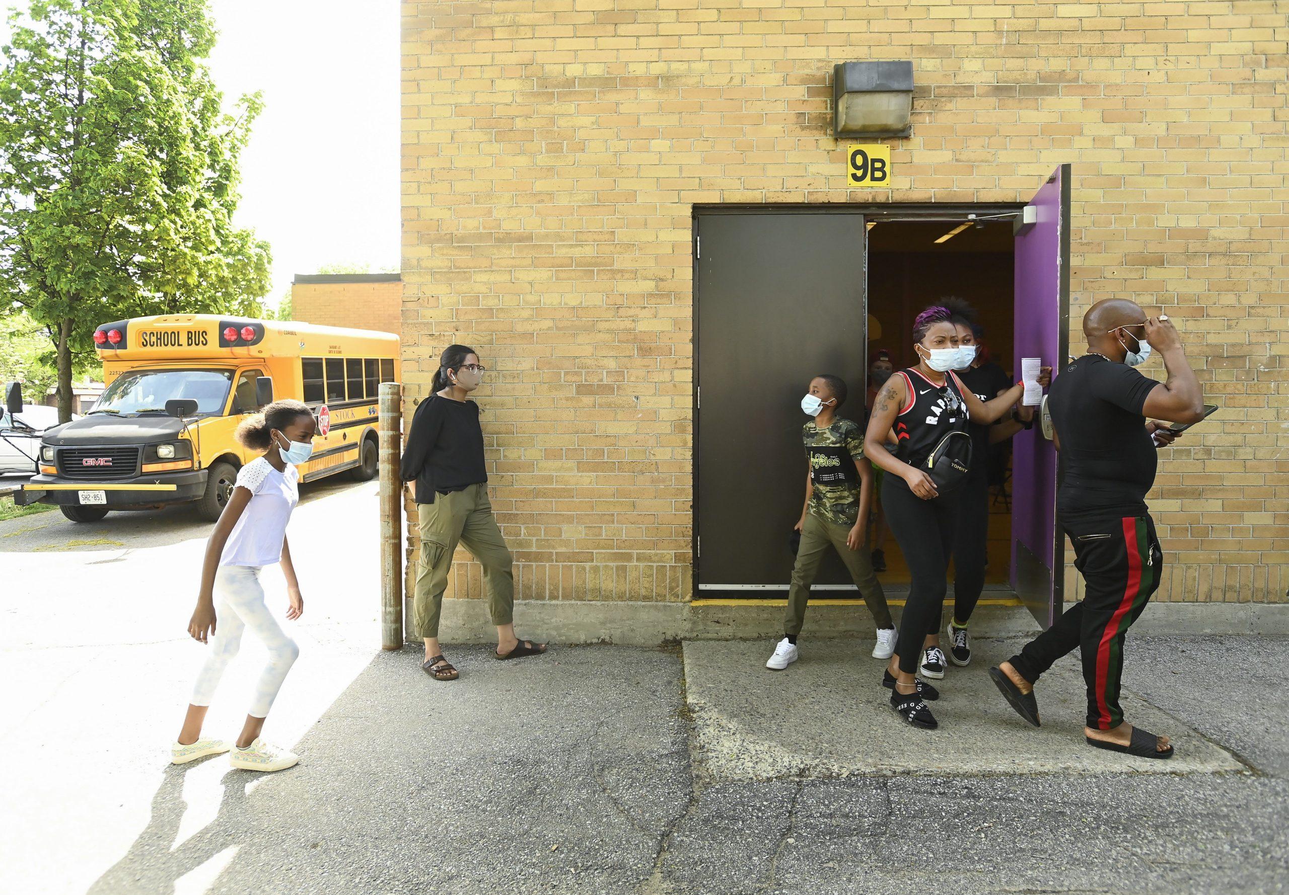 تعطیلی کامل یکی از مدارس انتاریو به دلیل شیوع کووید-19 و شناسایی 189 مورد ابتلا فعال در مدارس استان