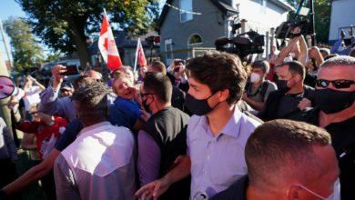 تصویر از معترضان به ترودو سنگ پرتاب کردند؛ رهبر لیبرال در مقابل «مافیای ضد واکسن» سر فرو نخواهد آورد