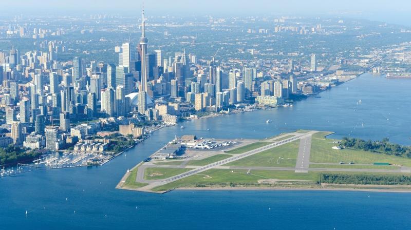 فرودگاه بیلی بیشاپ تورنتو پس از 18 ماه تعلیق دوباره خدمات تجاری خود را آغاز کرد